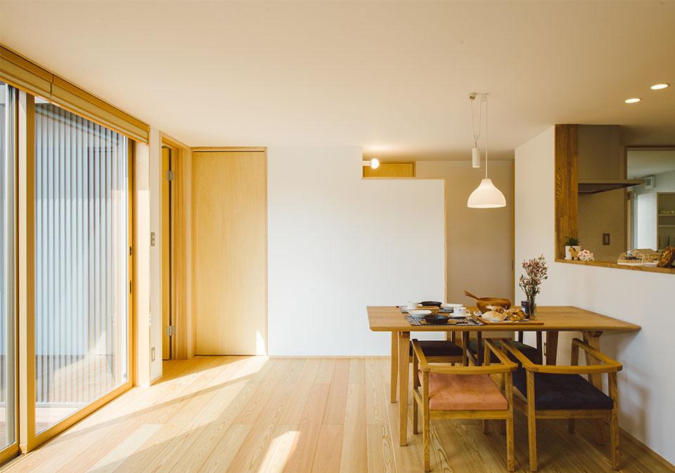 光いざなう翠のある家4